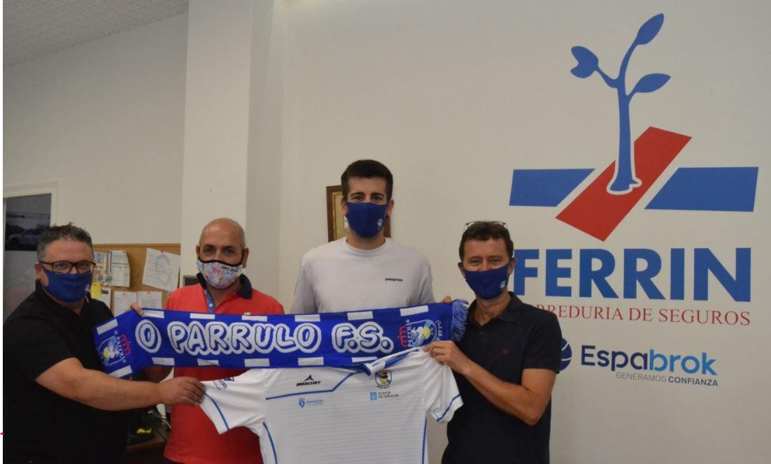 Marc Garcia el nuevo portero de O Parrulo FS fue presentando en Ferrin Seguros