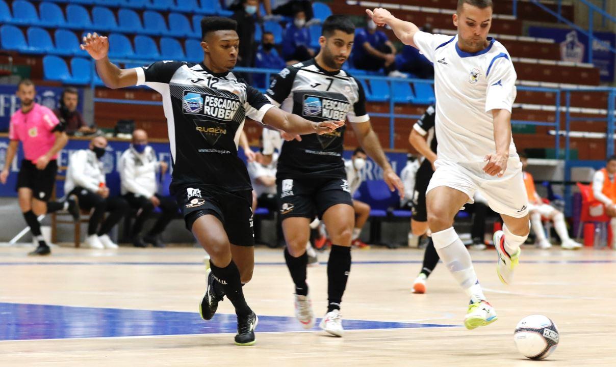 Burela Pescados Rubén se lleva su primer derbi ante el O Parrulo en la semifinal de la XXIX Copa Galicia