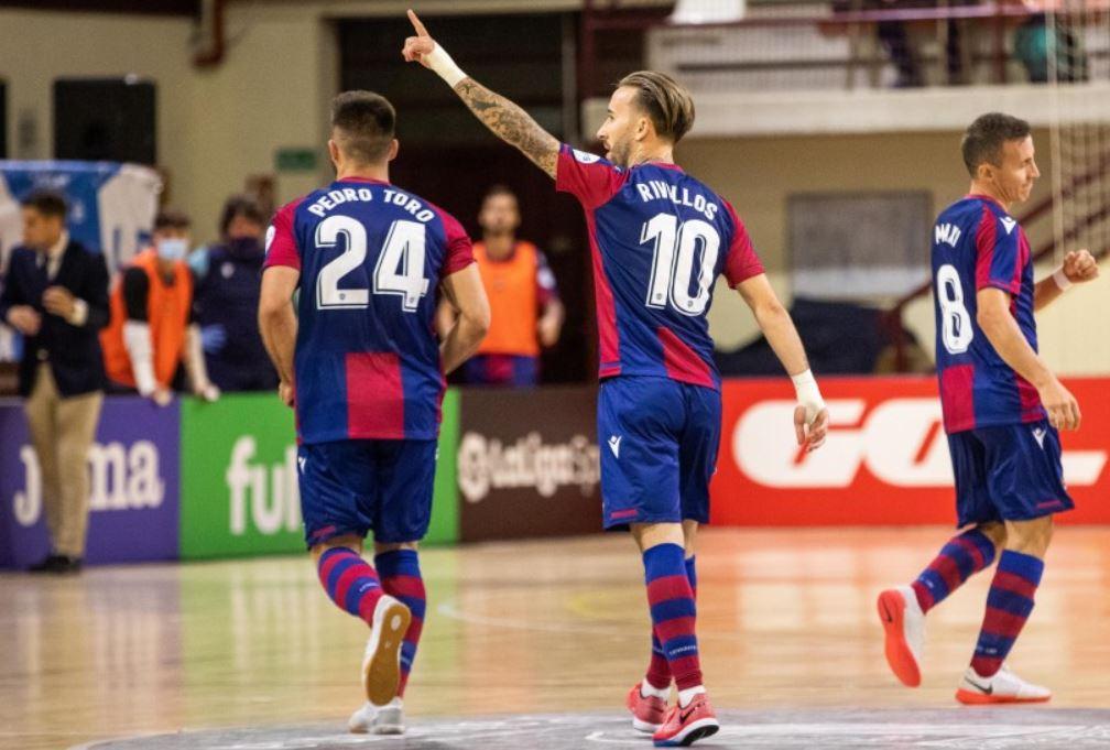 Levante UD consigue su primera victoria ante Osasuna Magna ( 2-0