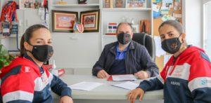 El Burela Pescados Rubén renueva el convenio de jugadoras profesionales