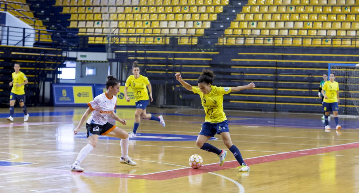 Vanessa ( jugadora del Gran Canaria ) ´meter el primer gol del club , me aporta bastante confianza ¨
