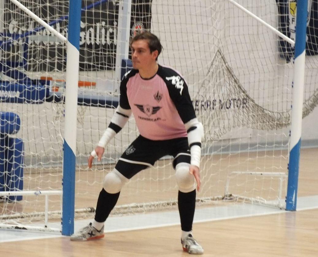 El Transicard Distrito Ventorrillo vence al Leis Pontevedra después de remontar un ( 0 – 2 )