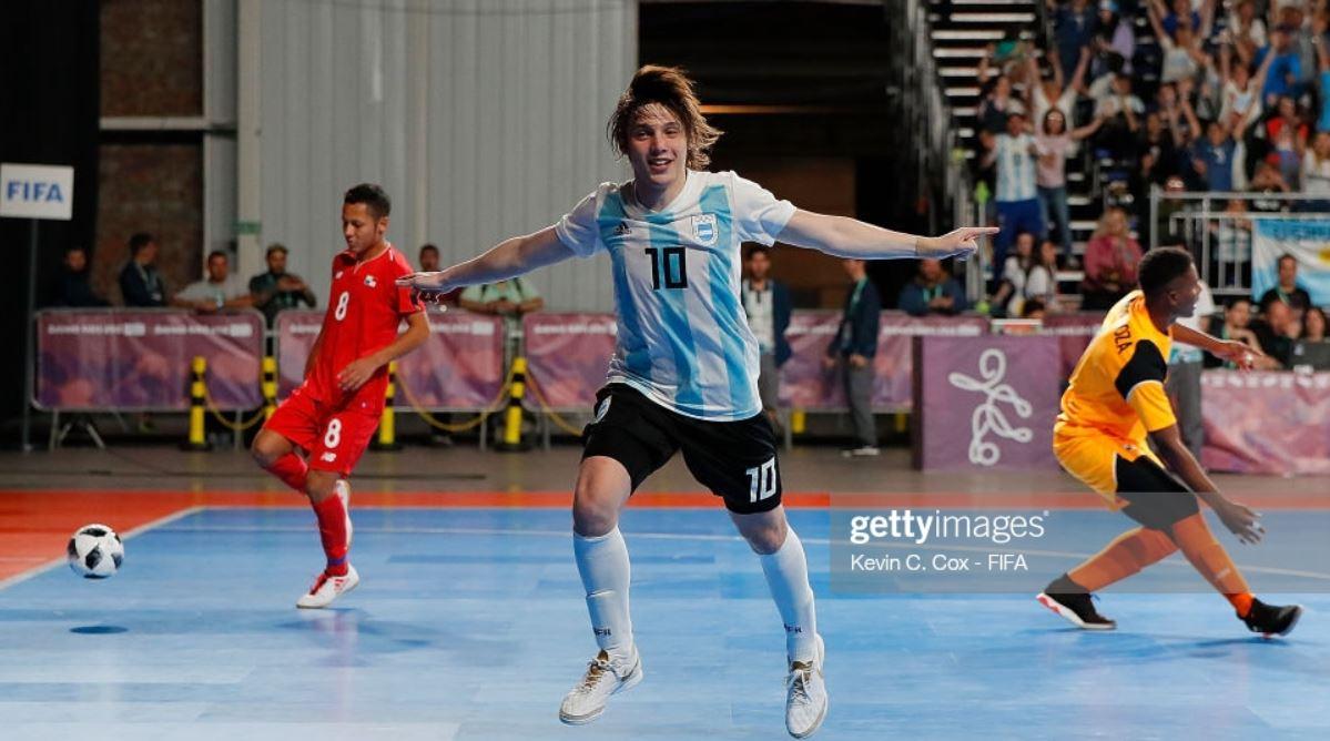 El joven internacional argentino Agustin Raggiati refuerzo invernal para el Noia Portus Apostoli