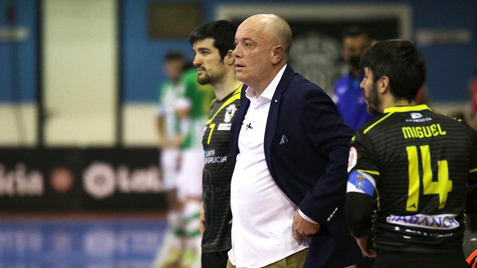 Maca ( O Parrulo Ferrol ) , ¨a pesar de la derrota ante Zaragoza estoy orgulloso del equipo ¨