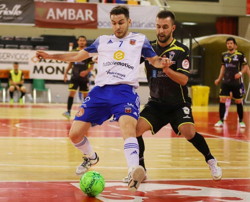 O Parrulo Ferrol no puede con el muro defensivo del Fútbol Emotion Zaragoza