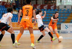Después de una primera parte igualada, el Burela P. Rubén vence en el derbi al Ourense Envialia