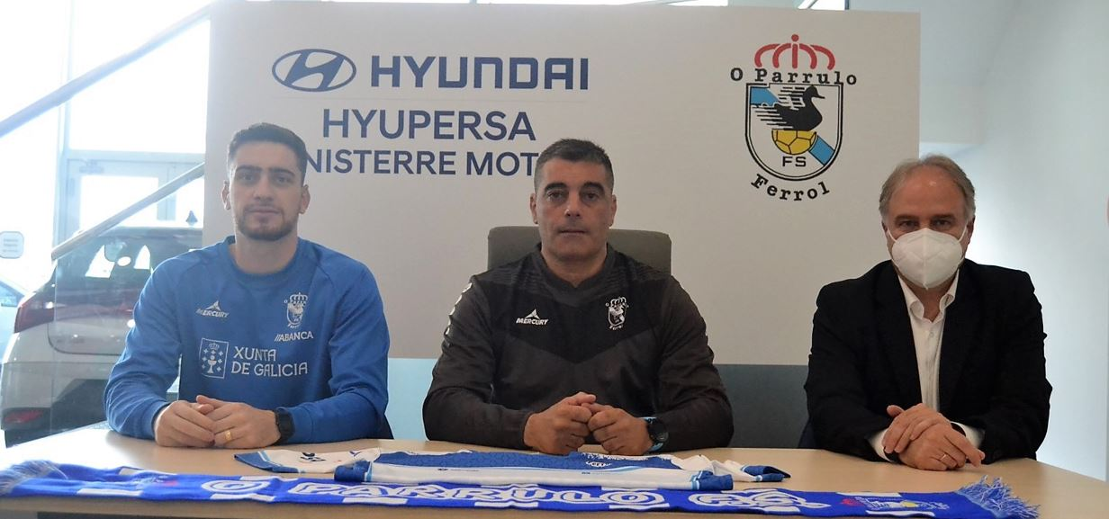 Oscar Vigo analiza el partido ante el CD Leganés en las instalaciones de Finisterre Motor