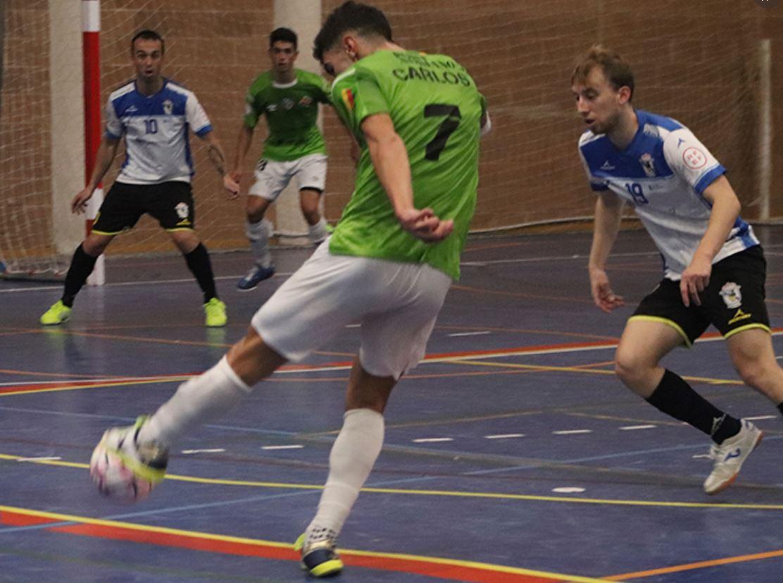 Kevin Chis da tres puntos a O Parrulo Ferrol ante el filial del Palma Futsal